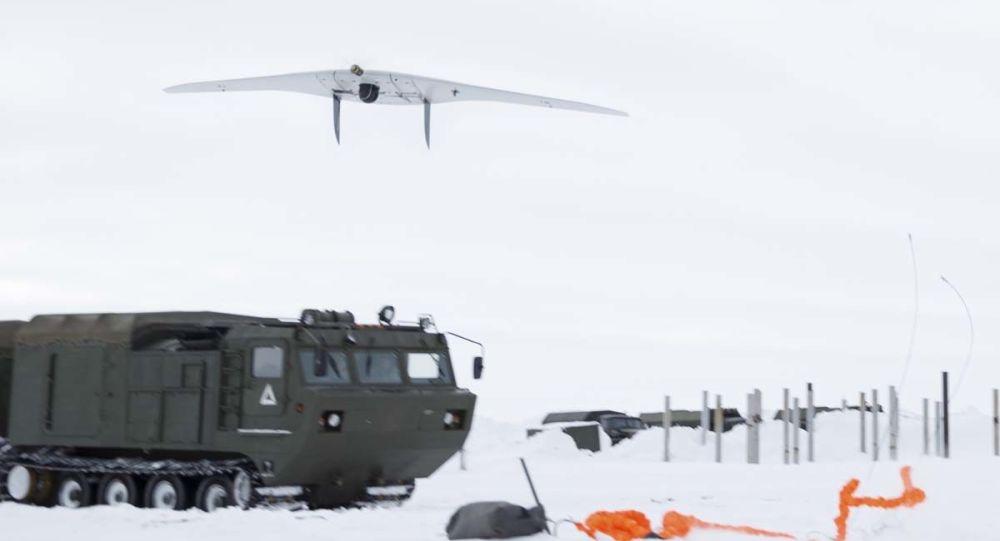 原料图片:俄军在北极地区测试新式装备(俄罗斯国防部网站)