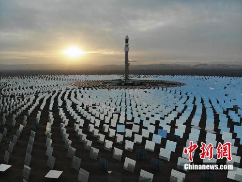百兆瓦级熔盐塔式光炎电站