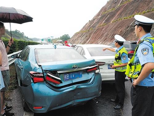泉南高速南宁段国庆期间基本顺畅 未出现大面积拥堵(五)