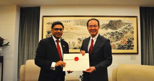 印度新任驻华大使递交国书副本。(外交部网站)