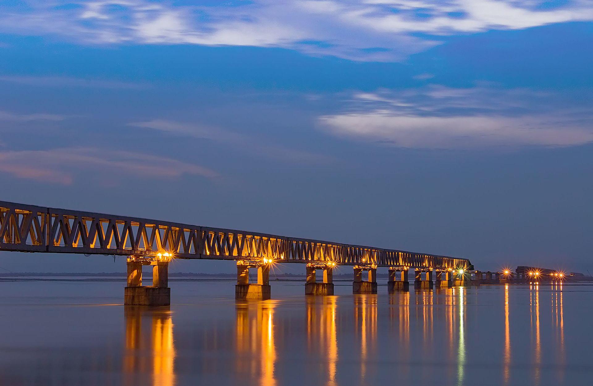 博济比尔桥是印度第四长桥梁(图片来源:维基百科)