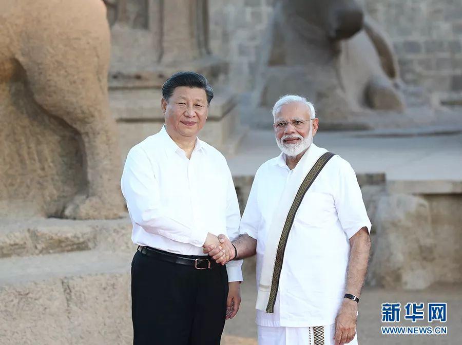 10月11日,国家主席习近平在金奈会见印度总理莫迪。 新华社记者 鞠鹏 摄