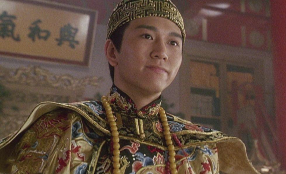 温兆伦在《鹿鼎记》中饰演康熙。