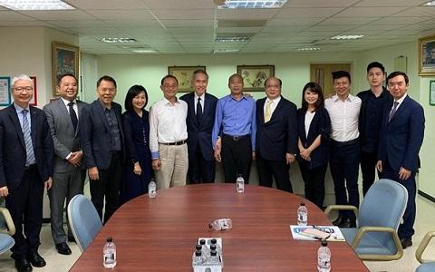 """香港""""地产大亨""""黄志祥与韩国瑜碰面,商议投资高雄事宜。"""