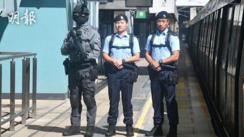 香港铁路答变部队有34人,23日首最先执勤。图片来源:香港《明报》/卫永康 摄