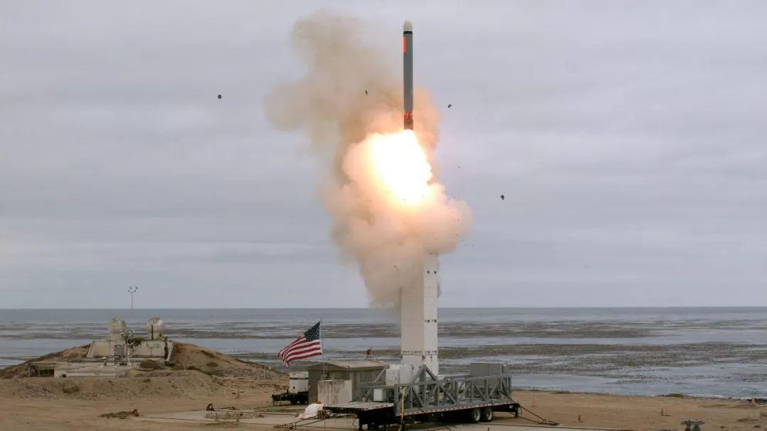 ▲资料图片:当地时间8月18日下午2时30分,美国在加利福尼亚州圣尼古拉斯岛试射一枚常规陆基巡航导弹。这是美国退出《中导条约》后首次公开宣布试射该条约所限制的导弹。