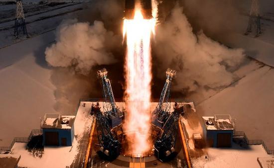 """资料图:""""联盟""""运载火箭发射升空。"""