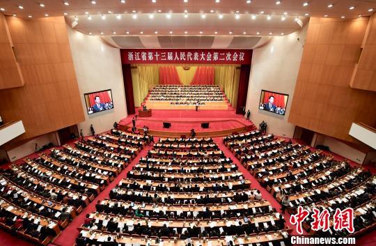 浙江省第十三届人民代表大会第二次会议会场。 王刚 摄
