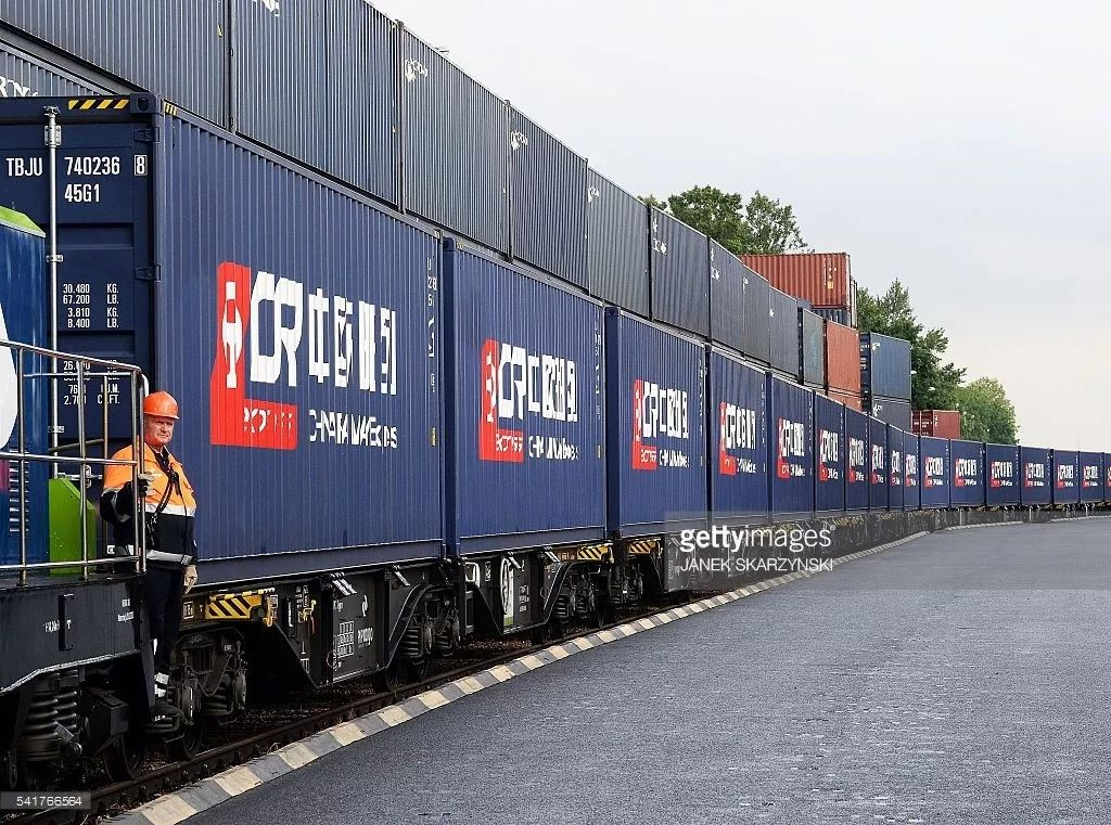 """▲资料图片:中欧班列推进了""""一带一路""""建设,图为第一列从中国开往波兰的中欧班列。(盖帝图像)"""
