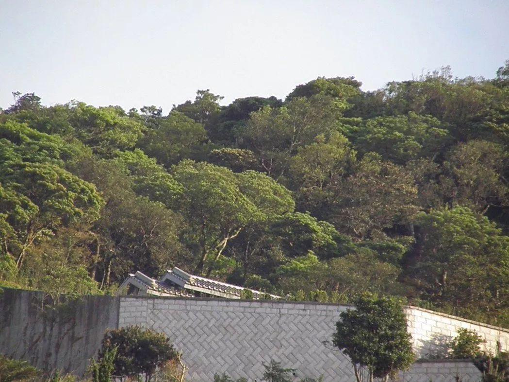 臺當局動用警力駐守蔡英文父親墓園:怕被報復