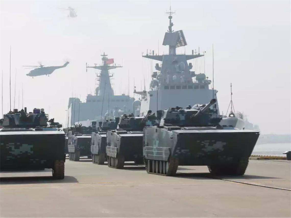 071型船坞登陆舰_解放军近期频练登陆作战 台将领:若开战台军不知所措 解放军 ...