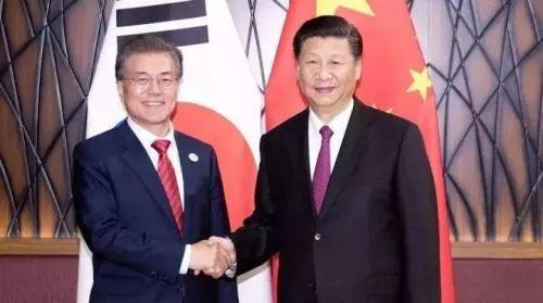 ▲11月11日,国家主席习近平在越南岘港会见韩国总统文在寅。