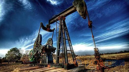 美元走强+钻井数续增,美油收跌触及65关口钻井