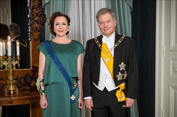 芬兰总统绍利·尼尼斯托(右)和夫人(左)(图来自芬兰总统府网站)