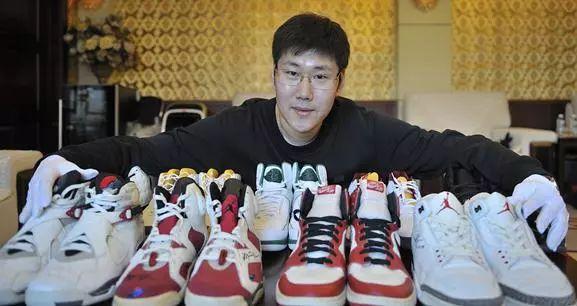 9双球鞋估值百万,收藏15双乔丹亲穿丨这个哈