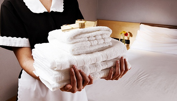 哈���I哪些酒店用�R桶刷刷茶杯\在地上�B被子\不清洗水�卦趺刺��P?
