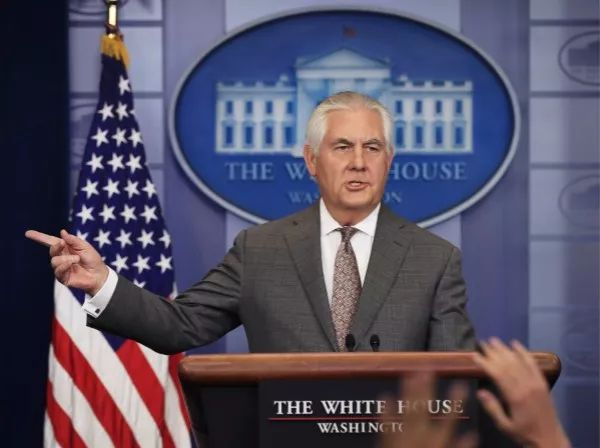 """11月20日,美国国务卿蒂勒森在白宫记者会上发言。白宫当天宣布将朝鲜重新列入美国的""""支持恐怖主义国家""""名单。新华社/美联"""
