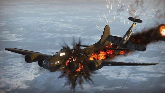 天海特工队_日本二战飞行员有多惨:技术不行被强迫当神风特工队,自杀撞航母