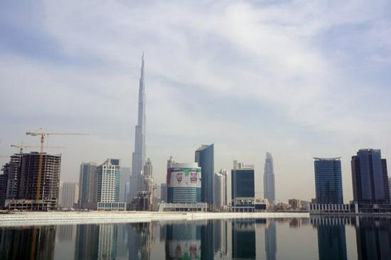 迪拜世博会中国馆游客破10万 参观人士纷纷点赞
