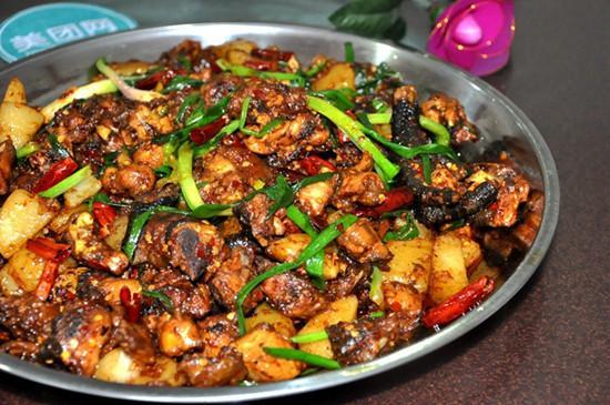 永平黄焖鸡的做法_大理旅游必吃哪些特色美食?