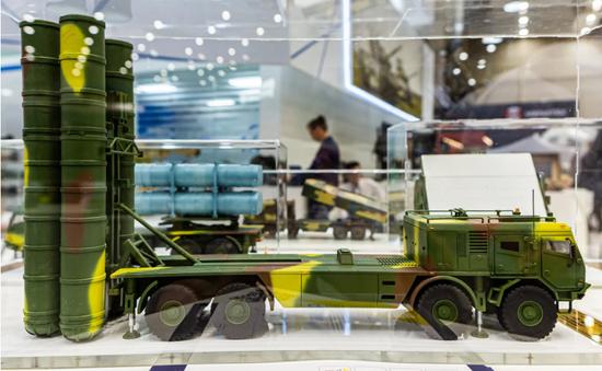 乌克兰推出SD300防空系统 可拦截100公里外弹道导弹