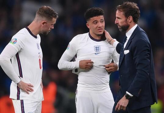 索斯盖特谈世界杯前景:很遥远 英格兰会越来越强