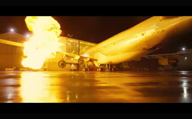 炸飞机片段