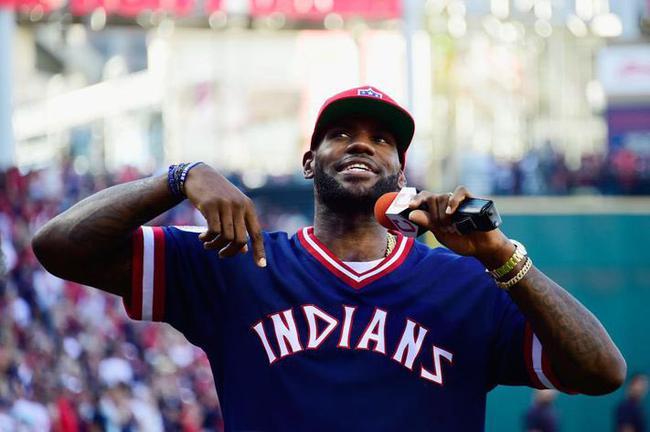 曝詹姆斯投资棒球队 将成为波士顿红袜队股东