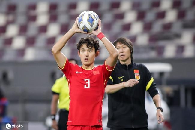 同足球规律相悖的中国男足 总有百搭帽子能找借口