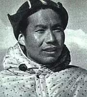 1960年5月25日凌晨4点20分,中国登山队员王富洲、贡布和屈银华三人,成功登上珠穆朗玛峰,创造了人类历史上第一次从珠穆朗玛峰北坡登顶的记录,图为王富洲。(图片来源:zh。 wikipedia.org)