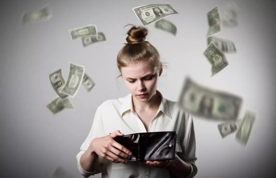 """节前悄然下调信用卡取现额度,银行举动为何""""不寻常""""?"""