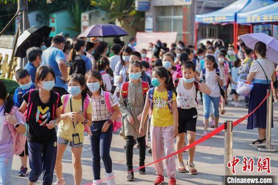 广西中小学幼儿园将100%实现校园封闭化管理