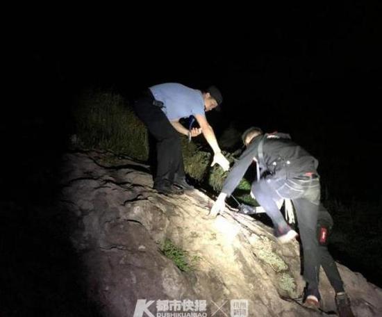 台州2名摄影爱好者上山选什么对焦模式采风被困 警民冒雨深夜救援